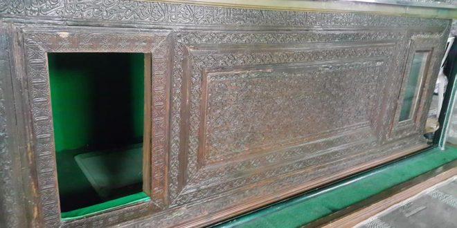 سرقت کتیبه های چوبی قرن پنجم   صندوق چوبی مرقد سلیمانداراب رشت ثبت ملی می شود