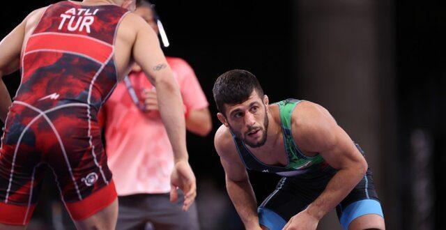 کشتی آزاد المپیک توکیو/ پیروزی رضا اطری مقابل نایب قهرمان جهان