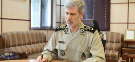 وزیر دفاع: روز خبرنگار، روز تجلیل از افسران جبهه جنگ نرم است